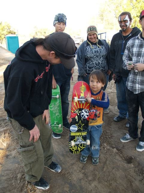Murph hooking up a Wounded Knee complete | Photo: Jeff Ament