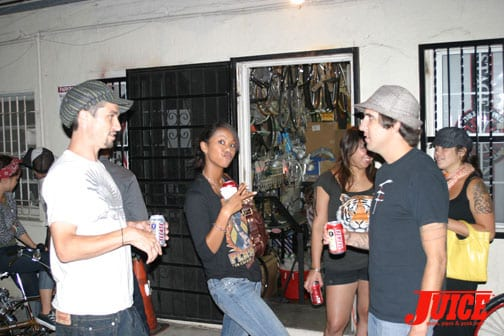 Simonetti, Akima and Mario happy houring