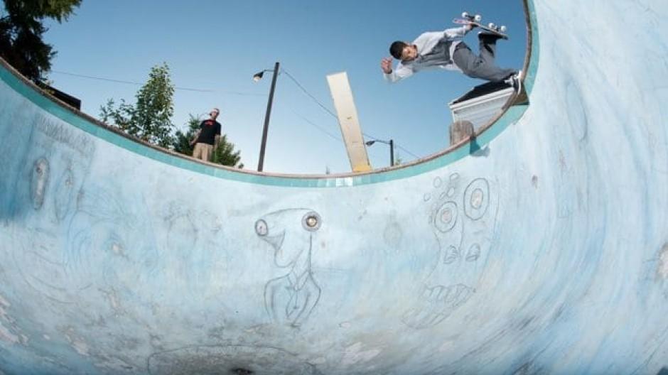 Z-Flex Rough Cut Skateboarding Video