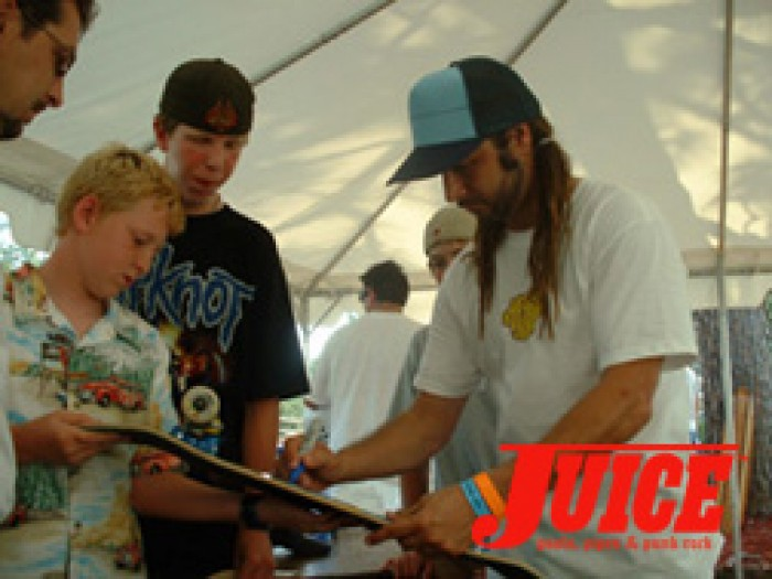 Alva signs autographs at ESS. Photo: Terri Craft