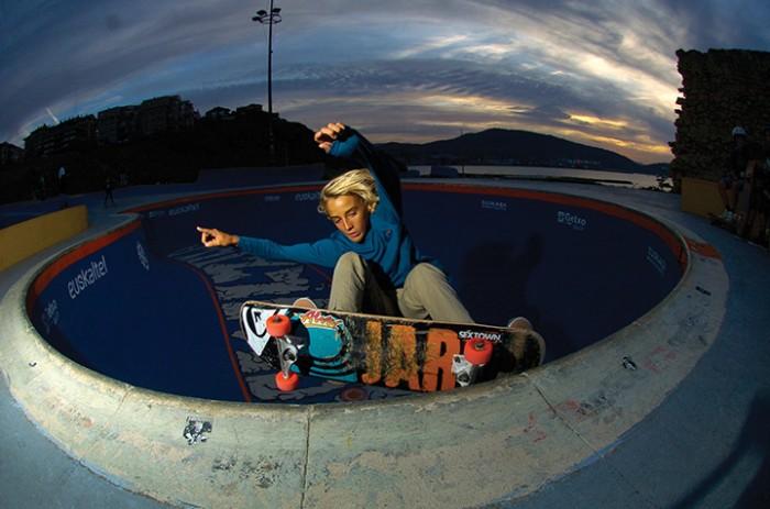 YAGO_DOMINGUEZ-grind pool-ALEX_MOSTERIN